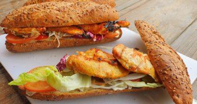 Currys csirkemell szendvics Broil King gázgrillen